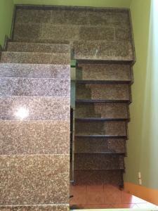 Granitne stopnice 86