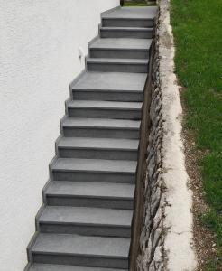 Granitne stopnice 92