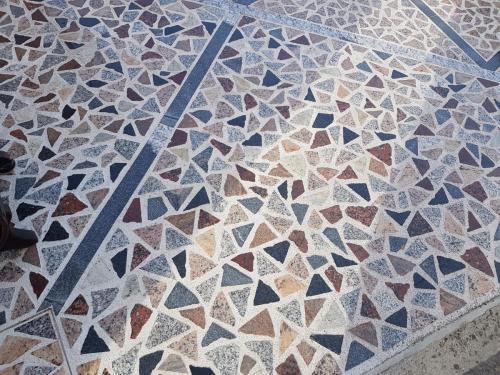 Granitne talne obloge119