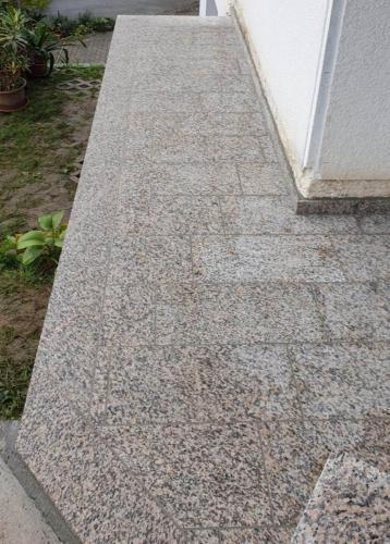 Granitne talne obloge 127
