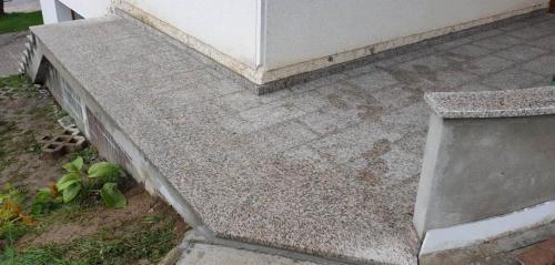 Granitne talne obloge 129
